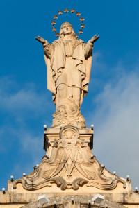 Statwa fuq il-kazin